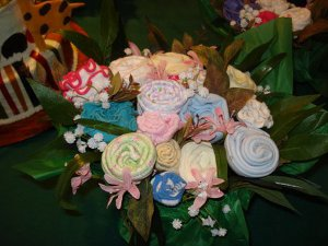bouquets de rosas de calcetines para baby shower
