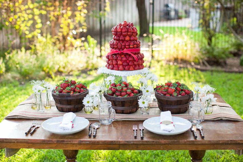 Mesas de postres con fresas
