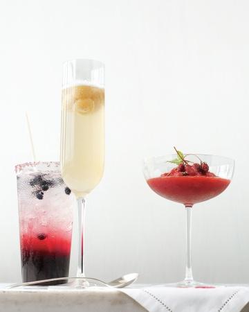 Bebidas con fresas y frutos rojos