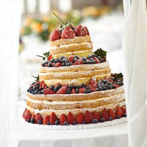 Torta de boda con fresas