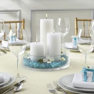... de decorar las mesas en la recepción de La Celebración de tu boda