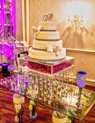 Centros de mesa con bases de acr lico para bodas for Mesas de cristal para bodas