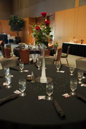 centros de mesa con floreros torreo eiffel la caleñita