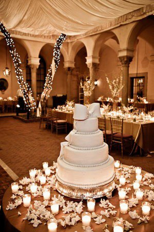 wedding cake display table ideas decora con velas la mesa de la torta de bodas directorio 22533
