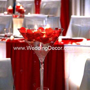 copas de coctel gigantes de martini con velas para centros de mesa