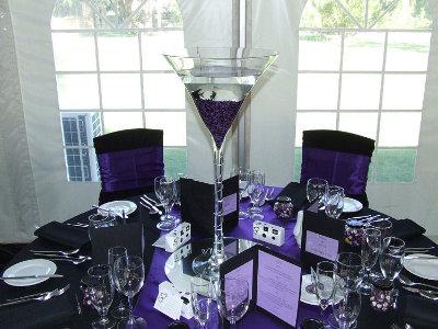 centros de mesa de copas de martini gigantes con cuentas