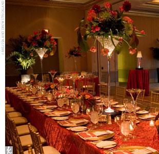 copas de coctel de martini gigantes con flores para centros de mesa