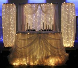 Decoracion con luces de navidad for Ramas blancas decoracion