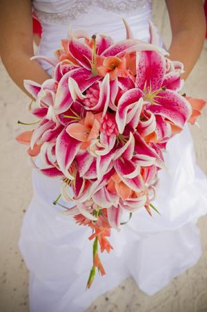 tendencia en bodas 2013 arreglos florales de flores en cascada