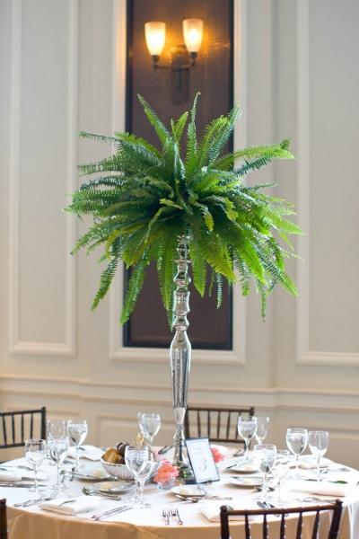 decoracion y arreglos florales con helechos en bodas indigo bodas cali