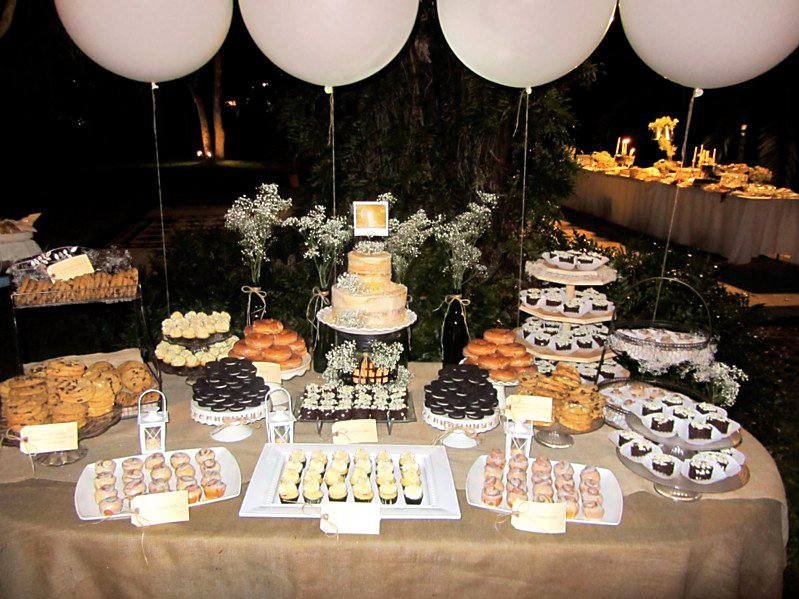 Tips para una mesa de postres de bodas for Decoracion postres