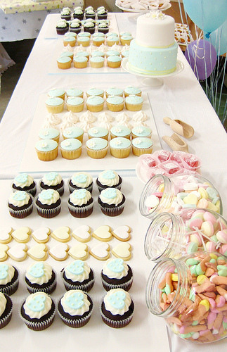 Ideas para mesas de postres directorio de bodas for Mesa de postres para boda