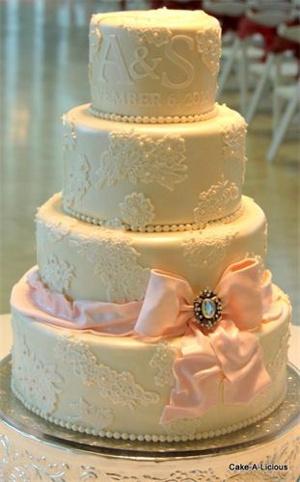 tortas de bodas 2013 vintage con encajes y perlas