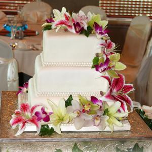 tendencia en bodas tortas con flores naturales ananda cali