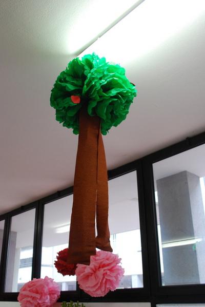 Fiesta peppa la cerdita - Como hacer un arbol de papel grande ...
