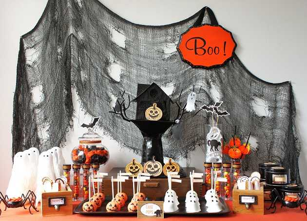 halloween es una poca del ao para las decoraciones fantasmales y las manualidades dentro de las decoraciones espeluznantes con ese aspecto de tener cien - Decoraciones De Halloween