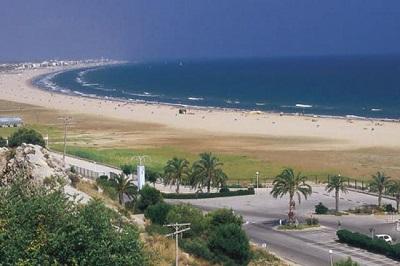 playa castelldefels travelodge españa