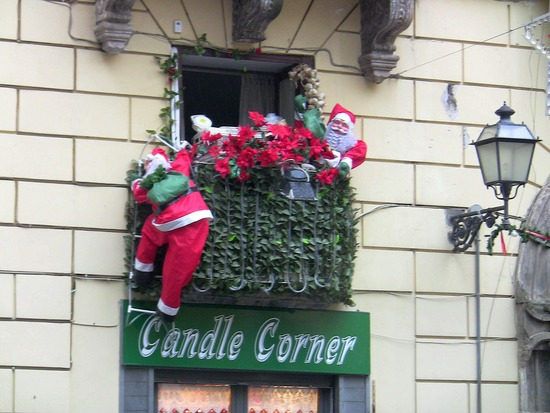 Decora tu balc n para navidad for Decoracion de balcones navidenos