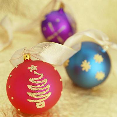 Decoraciones navide as cali archivos - Decoracion con bolas de navidad ...