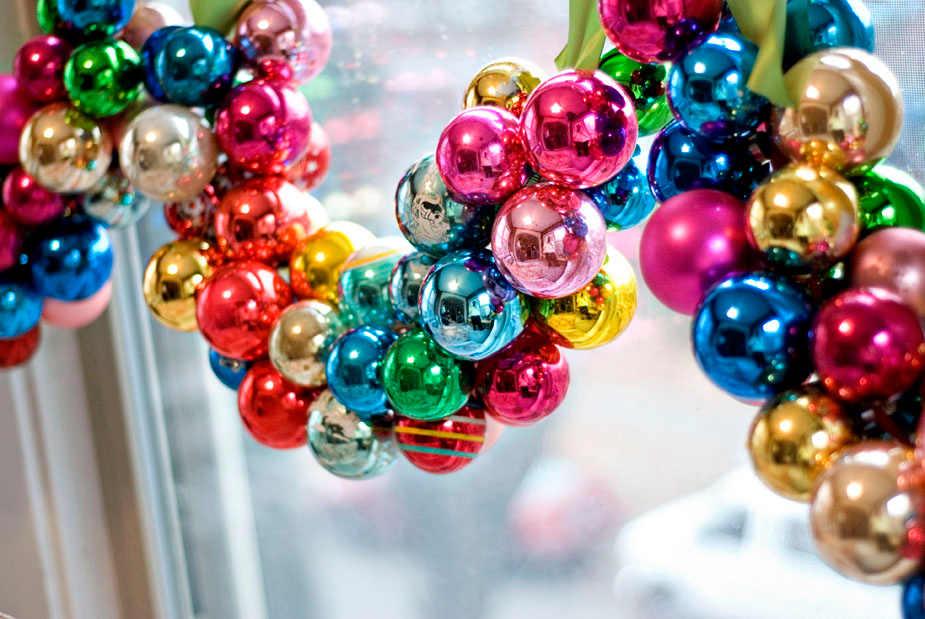 Guirnaldas con esferas de navidad - Guirnaldas navidad manualidades ...