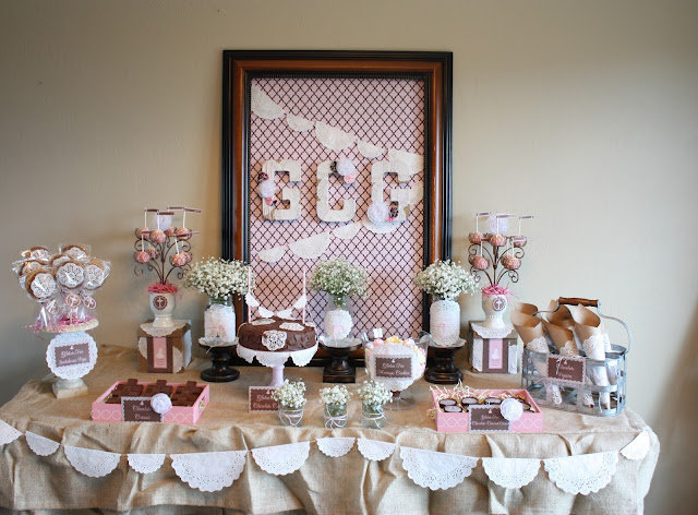 C mo decorar una fiesta de primera comuni n for Como decorar una torta facil y economica