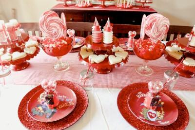 decoracion de amor y amistad de rojo rosa y blanco