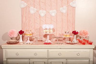 decoracion de amor y amistad rojo, blanco y rosa
