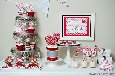 decoracion de amor y amistad rojo blanco y gris