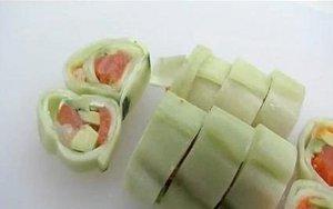 sushi de pepino en laminas