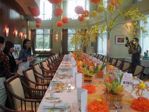centros de mesa con jarrones de mesas dulces la caleñita