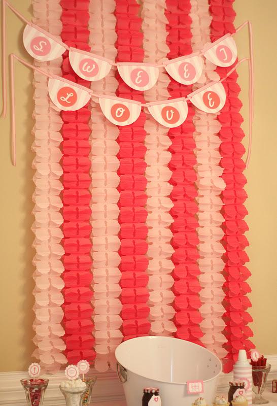 Cinco decoraciones con festones for Como hacer cortinas para salon