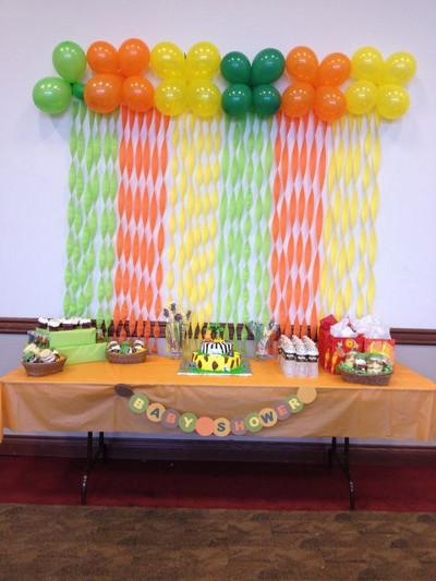 fondos de mesas de postres decorados con serpentinas de papel Mercadolibre