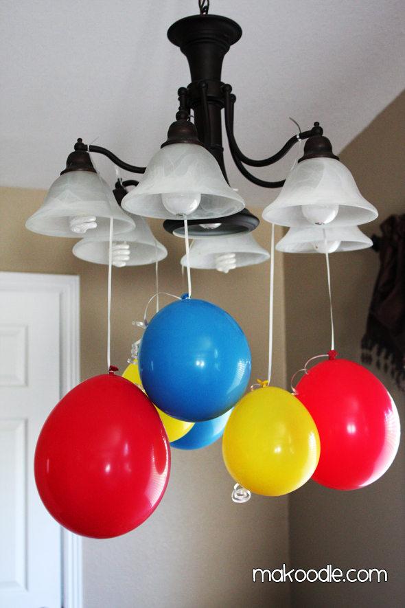 Decora pegando los globos en el techo for Como hacer que los globos se queden en el techo