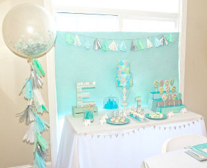 decora tu fiesta con globos transparentes rellenos de confeti   lacelebracion