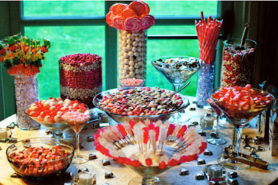 Centros de mesa con pirul s for Decoracion de mesas dulces infantiles