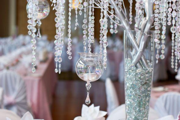 Decora colgando las velas - Cristales de colores para mesas ...