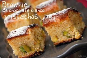 Brownie de chocolate blanco con pistachos